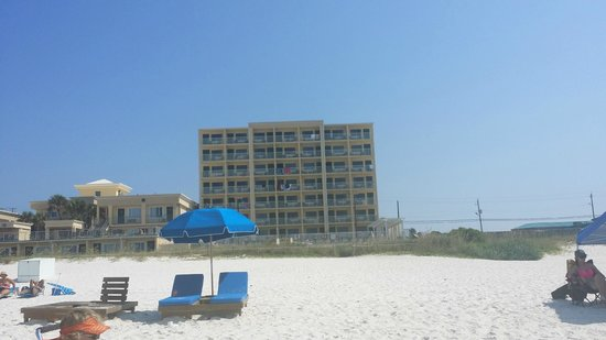 Flamingo Motel : View from beach