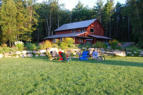"Robert Frost Mountain Cabins: Campfire area and the ""barn"" with laundry, exercise equipment, hang-out area..."