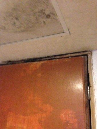 Hotel Yalmakan: Puerta de entrada a la habitación
