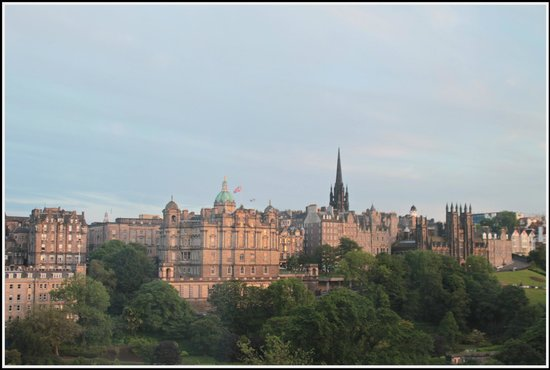 Travelodge Edinburgh Central Princes Street: View from the 4th floor