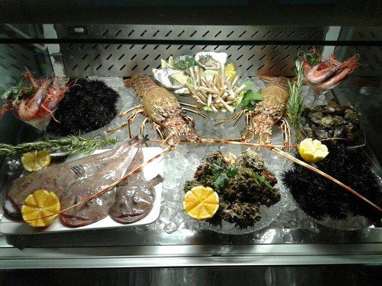 Cala Maro: Vetrina del pesce