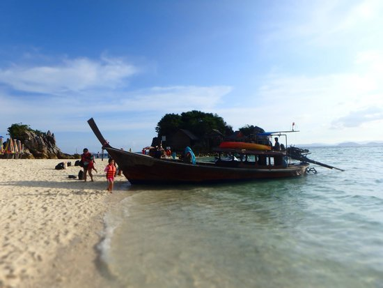 Phuket Tours Direct - Day Tours: This isn't the boat you take - you take a speedboat.