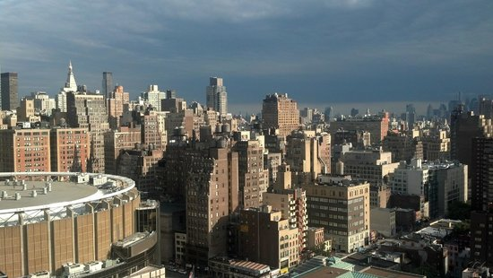 Fairfield Inn & Suites New York Midtown Manhattan/Penn Station : View from the roof top terrace