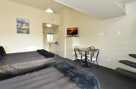 Aldan Lodge Motel: executive one bedroom mezzanine
