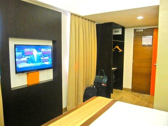 Cuarto Hotel Cebu : adequate room space