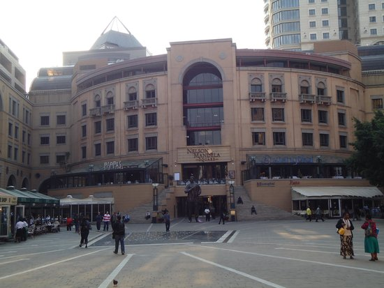 Nelson Mandela Square : Patio