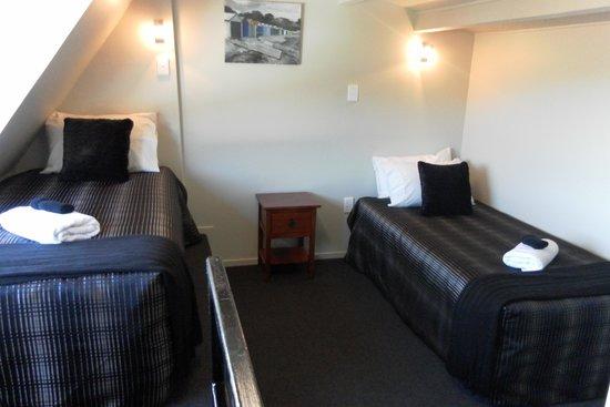 Aldan Lodge Motel: Mezzanine bedroom
