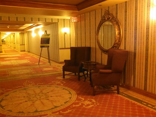 The Orleans Hotel & Casino: elevator area