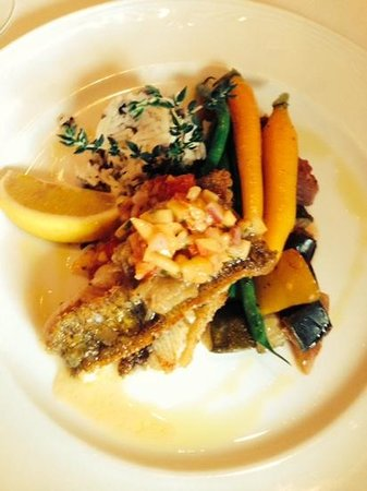 Terroir La Cachette Restaurant & Wine Bar At Strewn Winery: pickerel fish