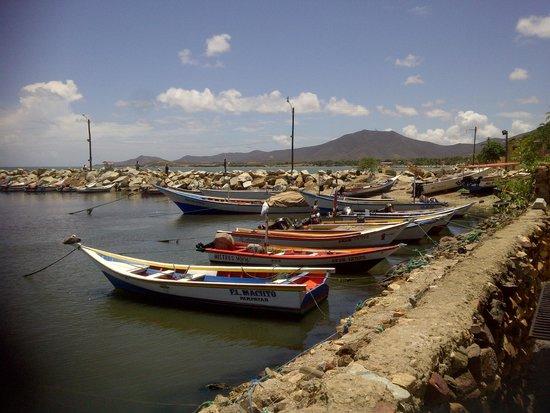 La Posada del Capitan Henry: lanchas de los pescaderos