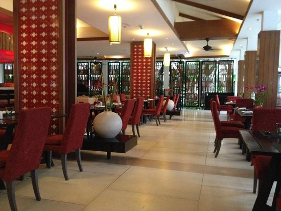 Swissotel Resort Phuket Kamala Beach: restaurant