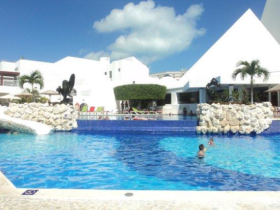 Sunset Marina Resort & Yacht Club: piscina