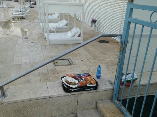 Herods Hotel Dead Sea: Very