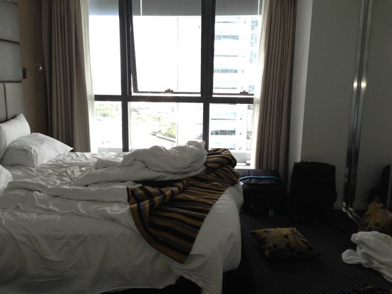 Meriton Serviced Apartments Brisbane on Adelaide Street: Bed room