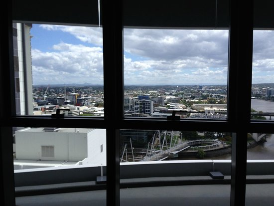 Meriton Suites Adelaide Street, Brisbane: More of the view