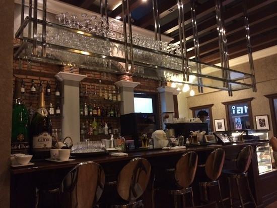 Beccofino Italian Restaurant and Grill : Beccofino bar
