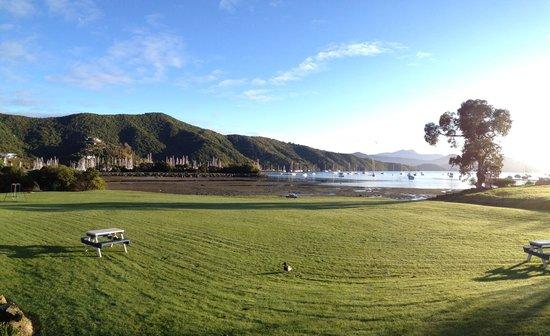 Bay Vista Waterfront Motel: View