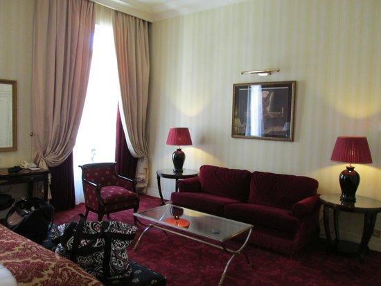 InterContinental Paris Le Grand: Suite living room