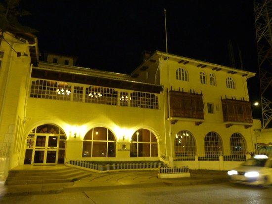 Hotel Turismo: Fachada del Hotel