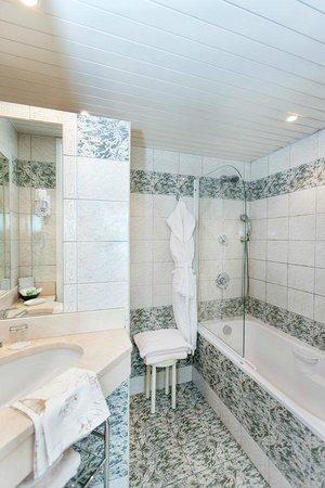 Auberge du Poids Public : détail d'une salle de bains