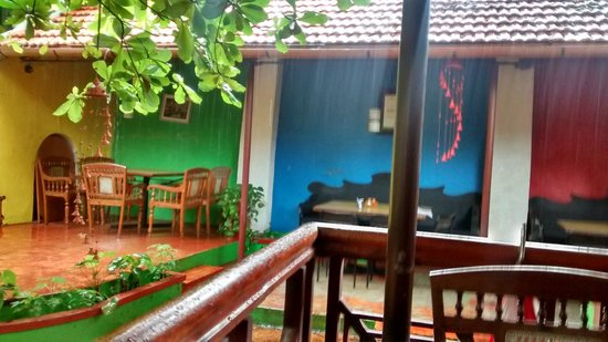 Rossitta Garden Restaurant: It was wonderful sitting and watching the rain with some good food