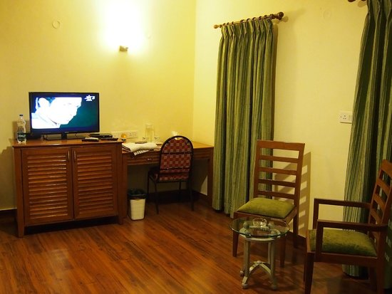 Trinity Suites: Other half of the room