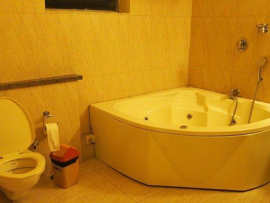 Trinity Suites: Bathroom