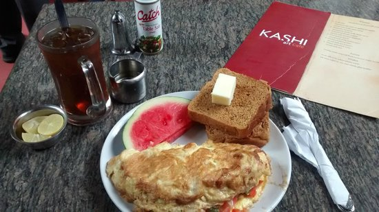 Kashi Art Gallery: Farm Fresh Omelette with iced tea