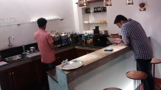 Kashi Art Gallery: Coffee making space