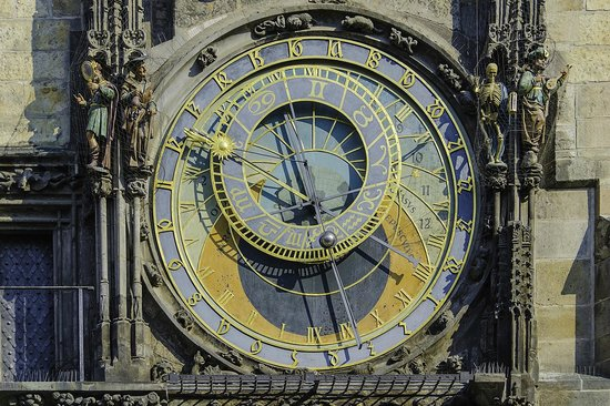 Old Town Hall and Astronomical Clock : Reloj astronómico del siglo XV