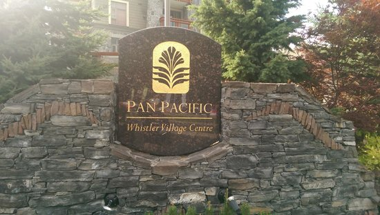 Pan Pacific Whistler Village Centre : Exterior
