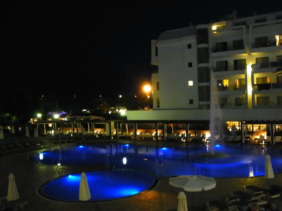 Hotel Florida Park: View from my room of pool at night