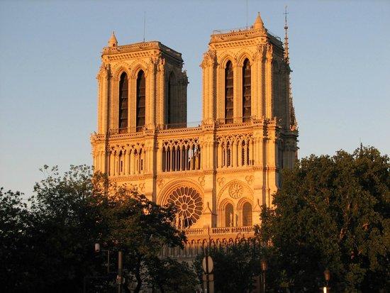 Île de la Cité: Notre Dame @ Ile de la Cité