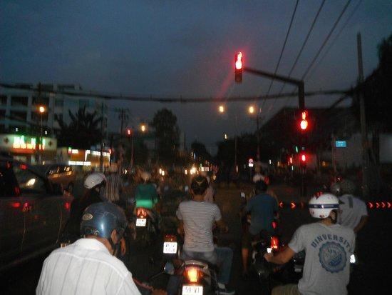Ao Dai Tours: street