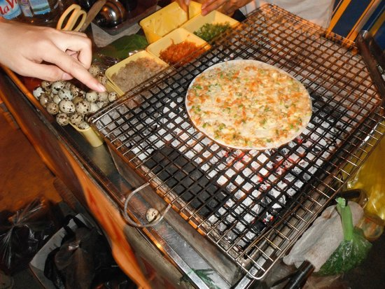 Ao Dai Tours: street food