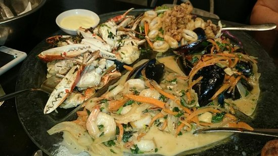 Ocean Bar: огромная плата морепродуктов