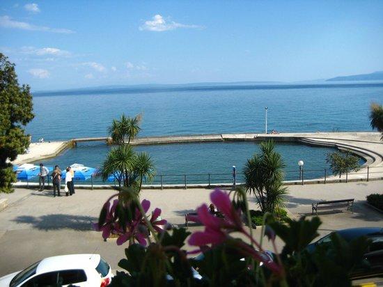 Hotel W.A. Mozart: Вид с балкона
