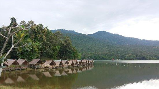Huay Tung Tao Lake: 寧靜的湖泊