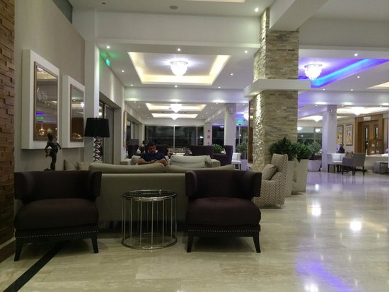 Asterias Beach Hotel: Зона отдыха
