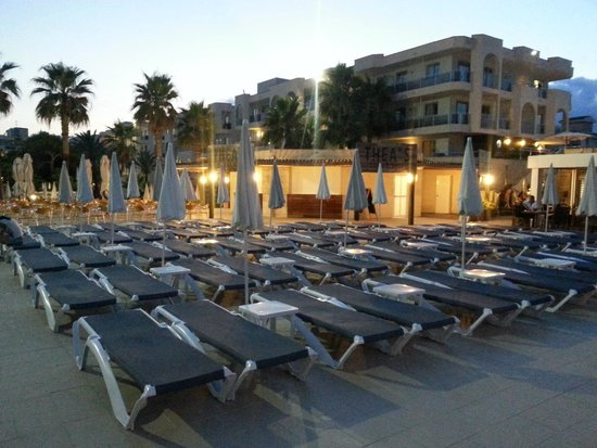 TUI FAMILY LIFE Alcudia Pins: Between the Pool and the Beach