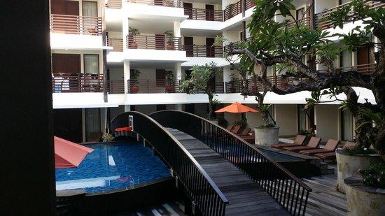Sun Island Hotel & Spa Kuta: pool