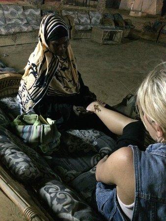 Al Badeyah Eyes Day Tours (ABET) Desert Safari: henna