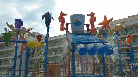 DIT Evrika Beach Club Hotel : Peuterbad (detail)