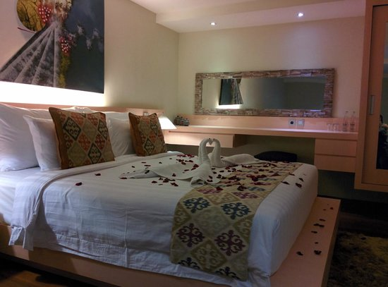 Pandawa All Suite Hotel: bedroom decoration