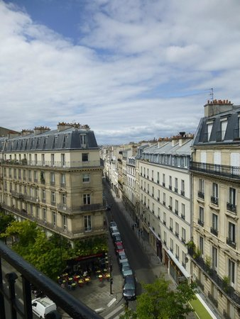 Paris France Hotel: View from Room 3