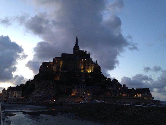 Abbaye du Mont-Saint-Michel : Le Mont Saint Michel de nuit