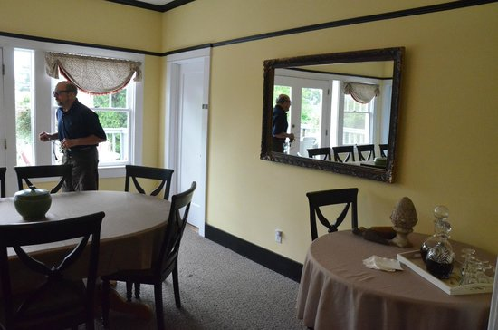 Bayberry Inn : Dining area