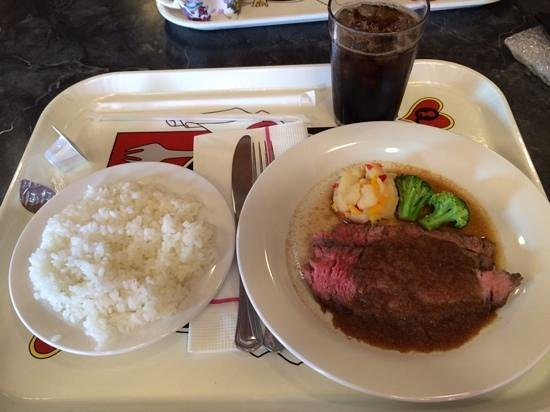 Queen of Hearts Banquet Hall: ステーキ