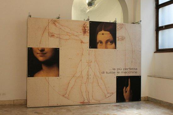 Museo della Scienza e della Tecnologia Leonardo da Vinci: на входе