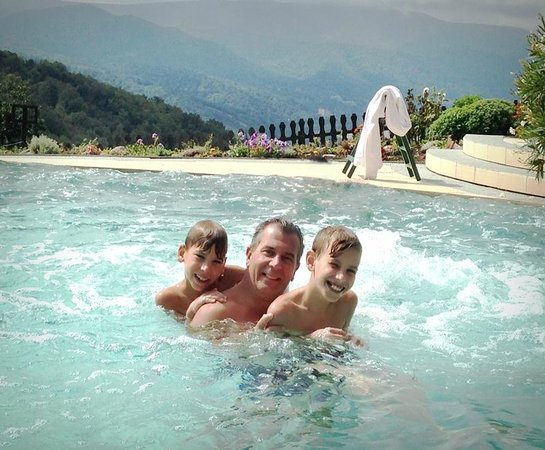 Silvanus Hotel Visegrad: Kültéri medence